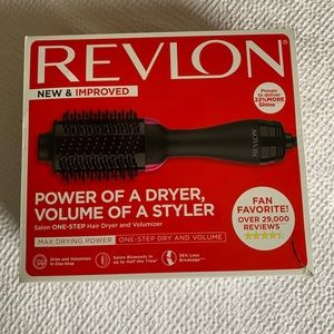 Revlon Dryer/Volumizer Brush
